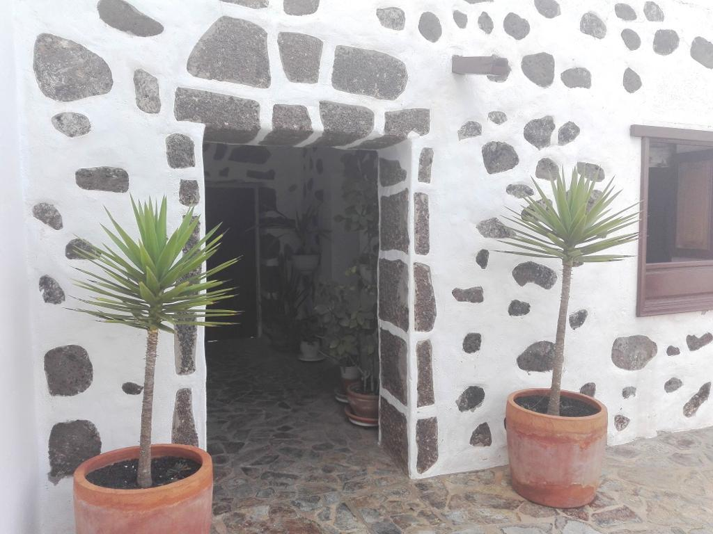 Large finca and huge building plot