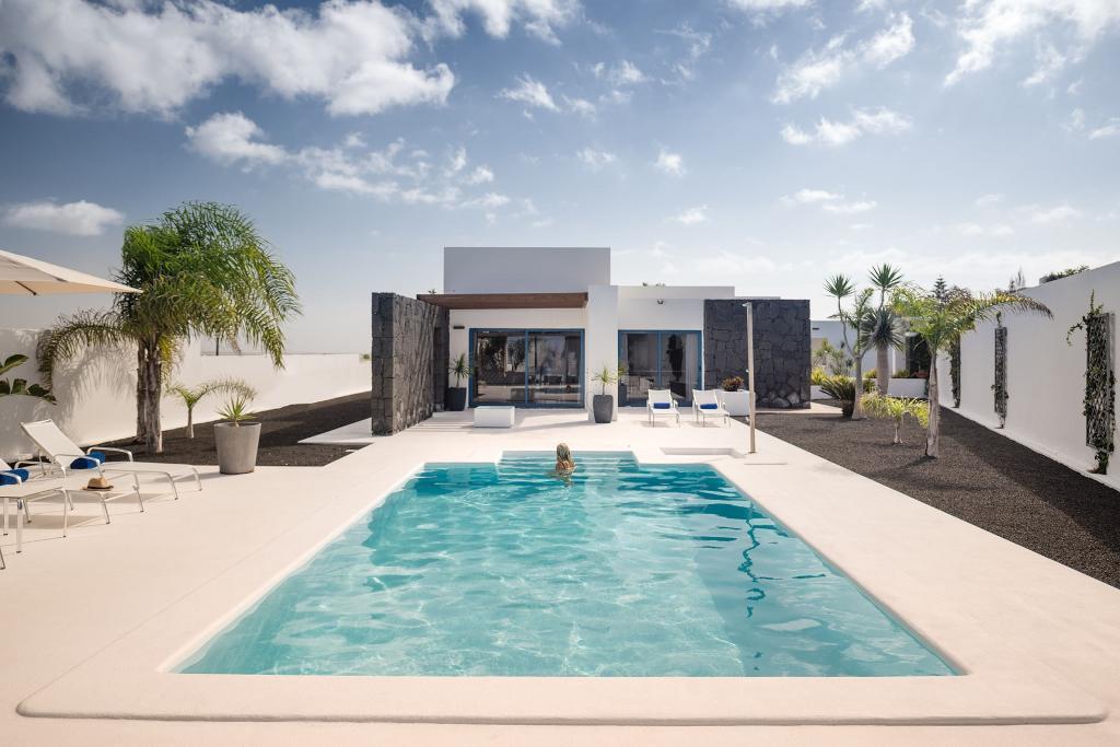 Beautiful corner villa Bellavista