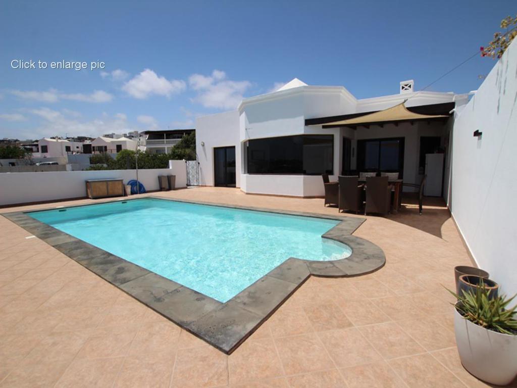Lovely detatched four bed villa