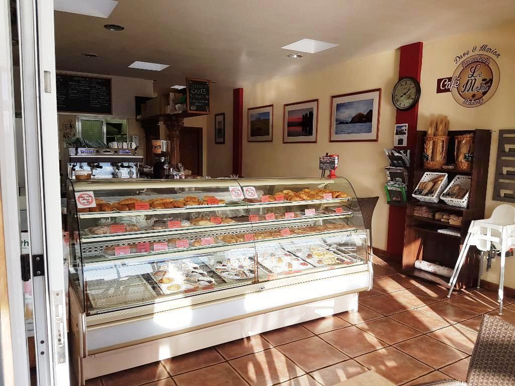 Cake shop +cafe